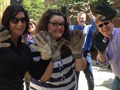 5-Ideas-to-Encourage-Your-Employees-to-Volunteer-400x300